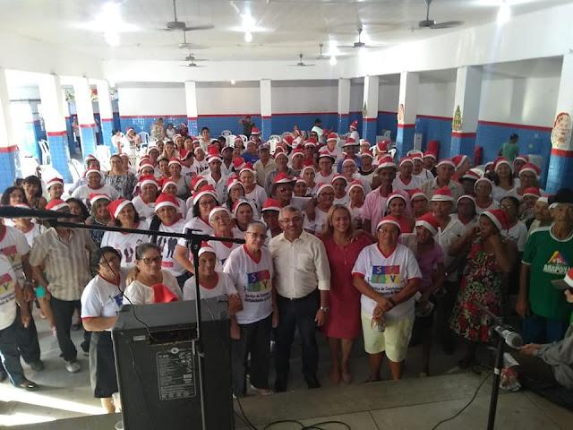Prefeitura de Olho D'Água do Casado realiza Confraternização Natalina dos idosos do grupo Idade de Ouro do SCFV