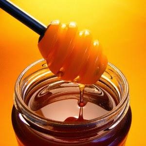 Cara menebalkan rambut dengan madu