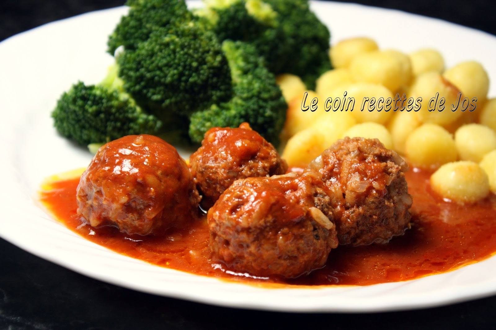 le coin recettes de jos boulettes de boeuf au riz en sauce tomate. Black Bedroom Furniture Sets. Home Design Ideas