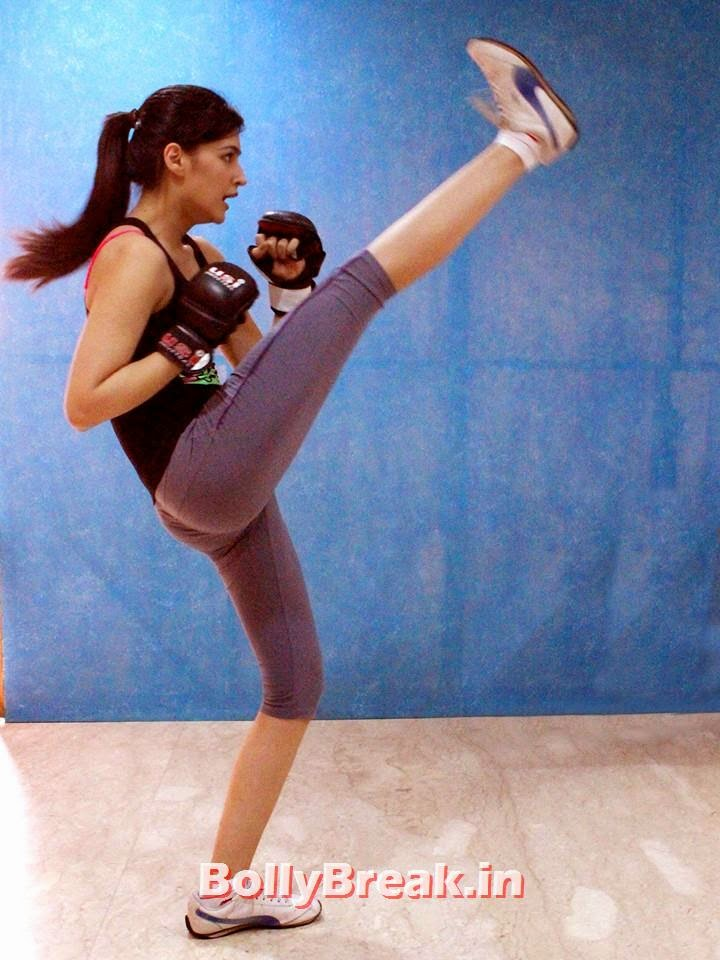 , Kriti Sanon Hot Workout Pictures, Krit Sanon Gym & Karate Images