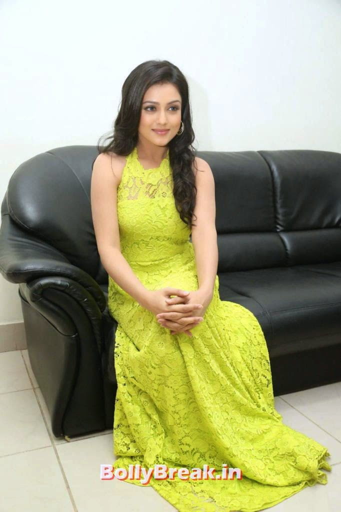Mishti Chakraborty Photo Gallery with no Watermarks, Mishti Chakraborty hot Hd Images in Green Dress