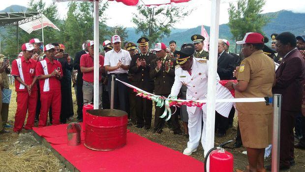 LUAR BIASA!!! Sudah Ada SPBU, Harga Bensin di Puncak Papua Kini Tak Lagi Rp 50 Ribu/Liter Tapi Rp 6.500