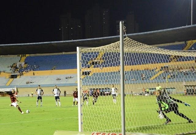 Romário marca primeiro gol pelo Dragão e comemora vice-liderança na Série B