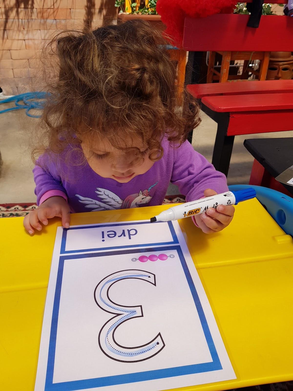 Drachenstübchen: Zahlenplakate mit Montessori Perlen - gratis für ...