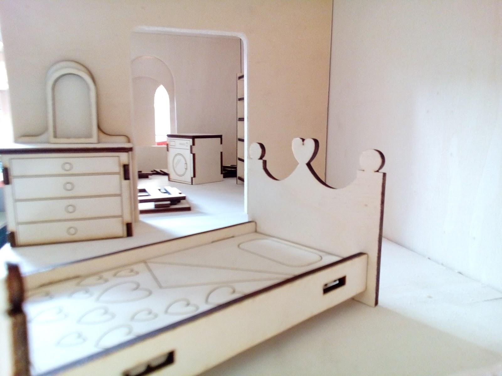 Diy progetti diy costruire una casa per le bambole for Progetti di casa delle bambole gratis