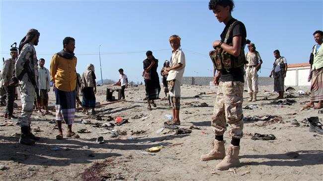Ao menos 40 soldados morreram e 50 ficaram feridos em um atentado suicida neste domingo na cidade de Aden, sul do Iêmen