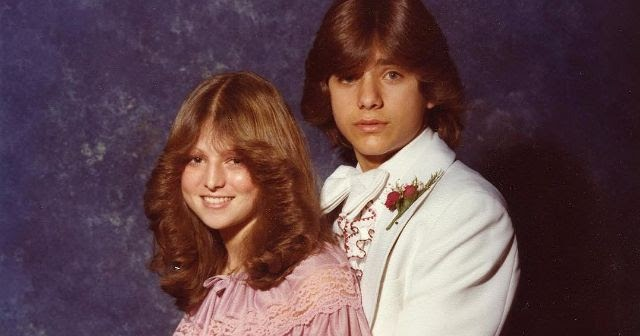 Totally awkward celebrity prom pics
