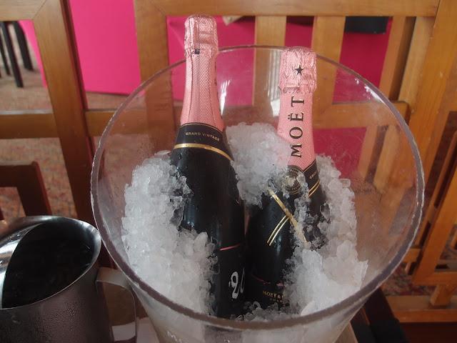Möet & Chandon Grand Vintage Rosé 2006