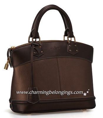 eb86ce626073 The iconic Lockit bag in luxurious goat leather is sophisticated with its  discreetly embossed LV initials