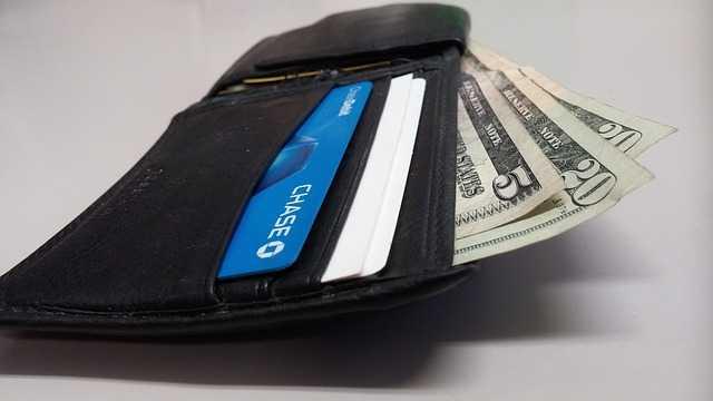 บัตรเครดิต Bangkok Bank Visa Platinum Credit Card กดเงินสดดอกเบี้ยเท่าไหร่