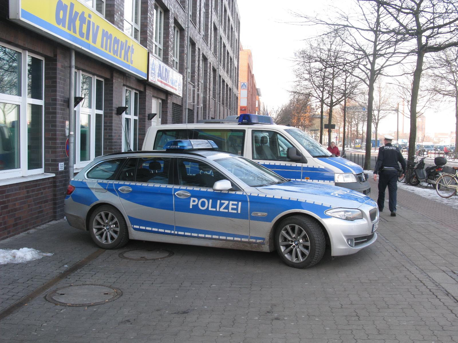 gsg9 1 87 unit sp ciale nouvelle couleur des voitures de police allemandes 2016. Black Bedroom Furniture Sets. Home Design Ideas