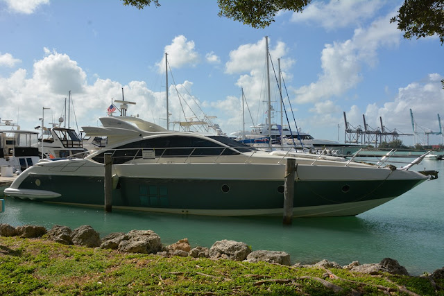 Miami Beach harbour yachts