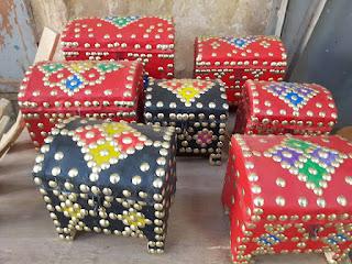 الصناديق التقليدية الصحراوية للبيع بالريصاني