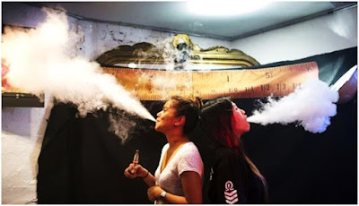 Kelebihan dan kekurangan Vapor sama saja halnya dengan kebiasaan merokok,tentu semuanya memiliki bahaya yang mengancam bagi kesehatan,ada racun tersembunyi