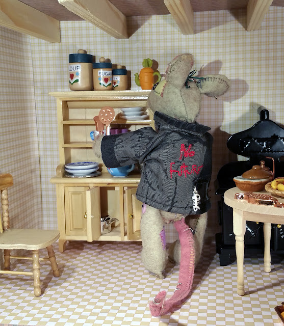 maison de poupée, dolls house, dolls crockery, vaisselle pour poupée