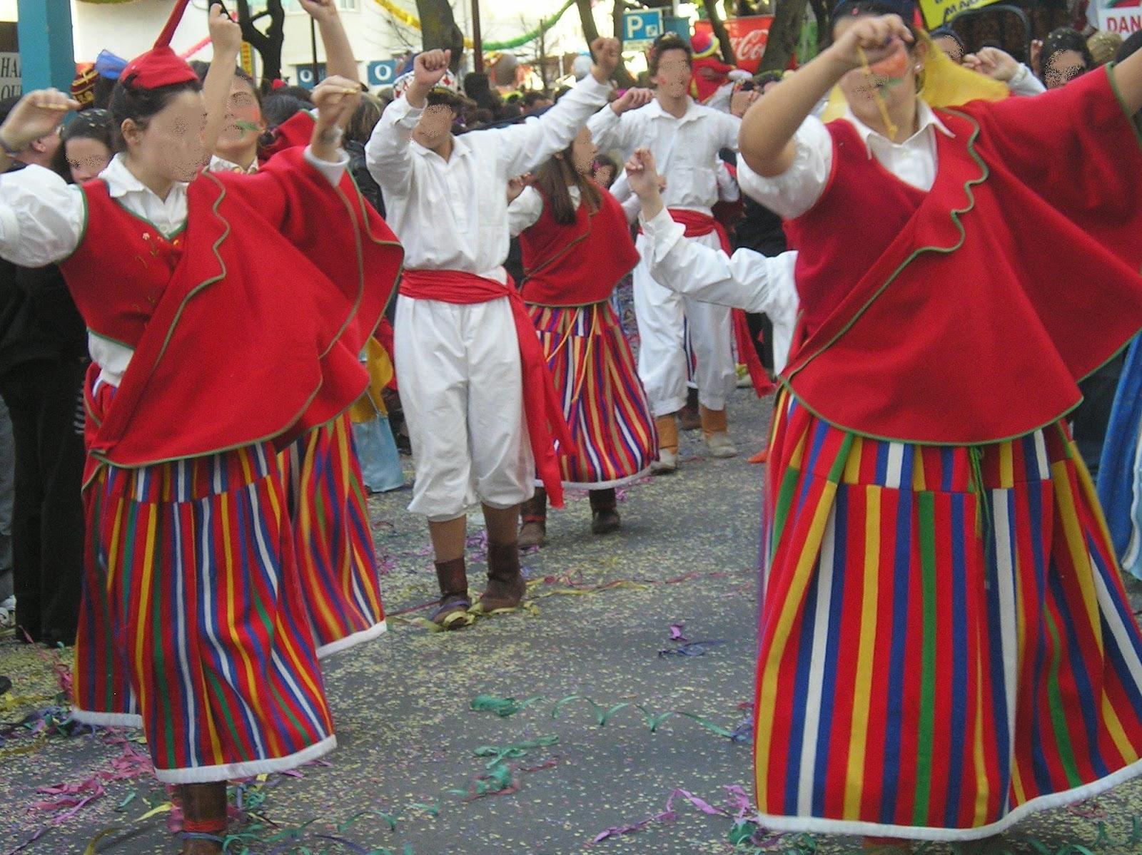 Les portugais aiment beaucoup lîle de Madère. Cette année au carnaval de Loulé (ville du sud du Portugal), lorganisation a décidé de « taquiner » un peu