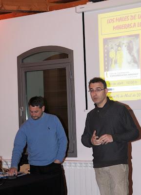 Fernando Cuevas (izda) y el director del MSM Roberto Fernández (dcha)