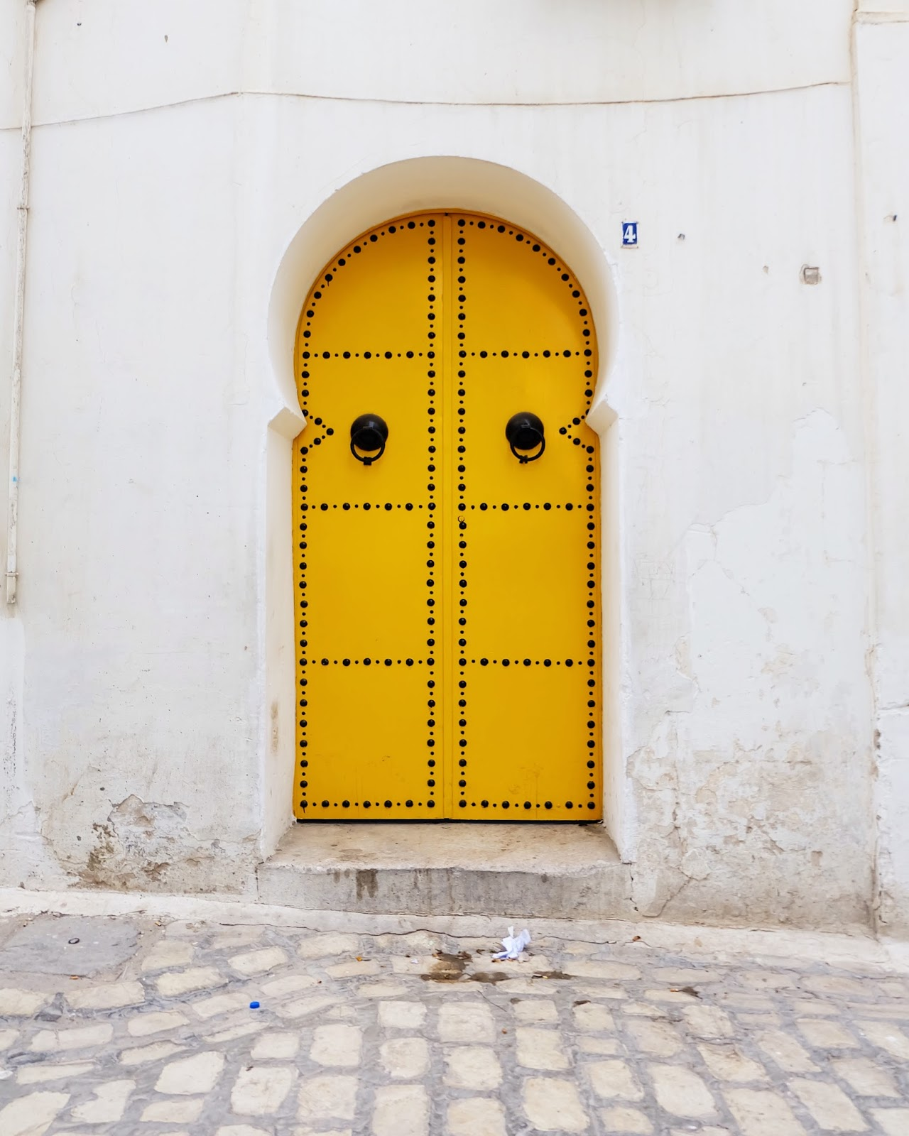Yellow door in Tunis