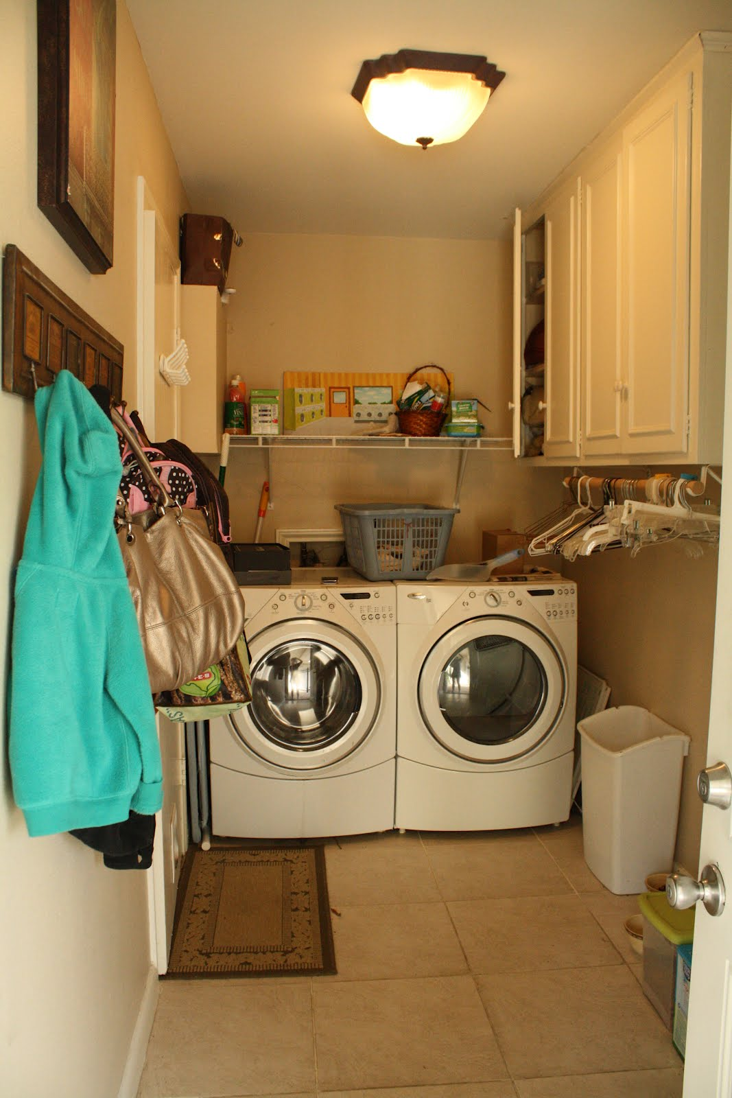 Collecting the Dots: DIY Laundry Room Makeover