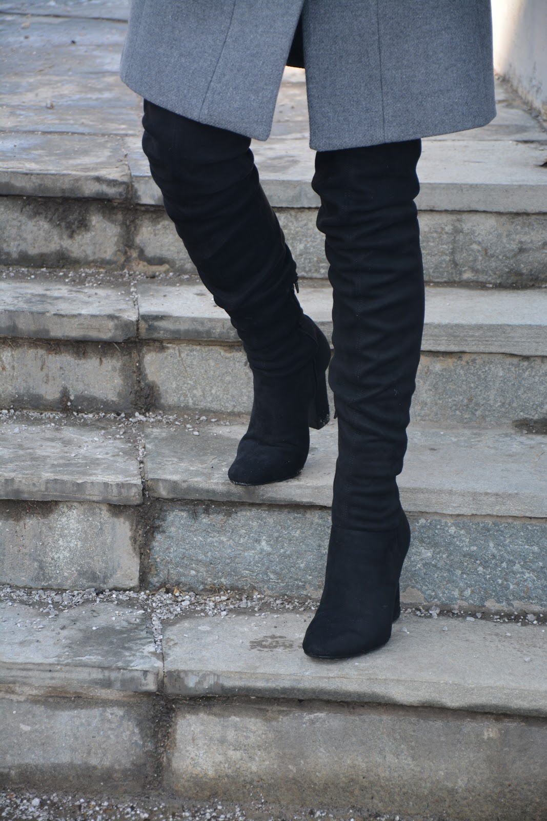 fashion-mango-coat-knee-boots