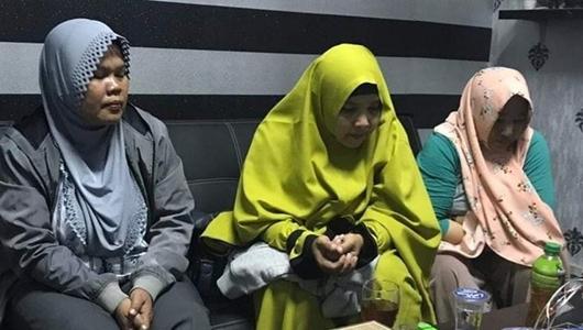 Keluarga Tersangka Kampanye Hitam Jokowi Minta Tanggung Jawab Prabowo-Sandi