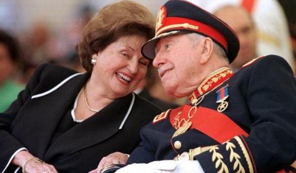 Viuda de Pinochet sigue sin devolver bienes al Estado