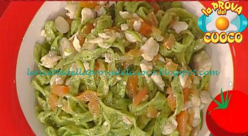 Tagliatelle verdi con spigola e zucchine ricetta Salvatori da Prova del Cuoco