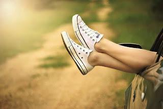 Clean shoes,tips,tricks,vans shoes,white shoes clean,shoes conserve,shoes cleaning tips,dirty shoes, mashable,Huffington,Arightguide