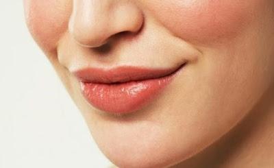 Lip Gloss Yang Baik Untuk Bibir Hitam