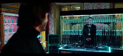 """El """"minibar"""" de los hoteles de asesinos xD."""