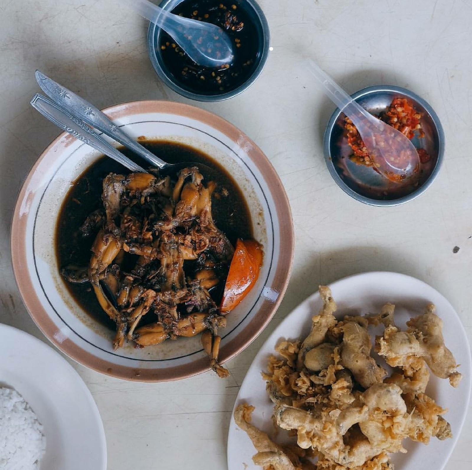 PENGARUH TAYANGAN FOOD VLOGGER CHANNEL YOUTUBE RIA SW TERHADAP MINAT KULINER MAHASISWA