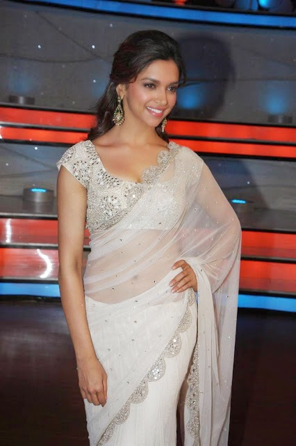Sexy Deepika Padukone in Hot Saree Stills