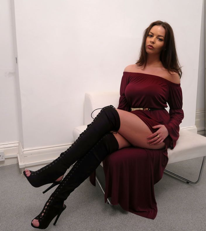 boohoo-thigh-high-boots @ hayleyeszti