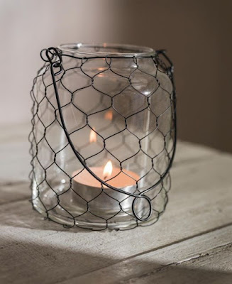 13 spectacular diy chicken wire craft ideas do it for Chicken wire craft ideas