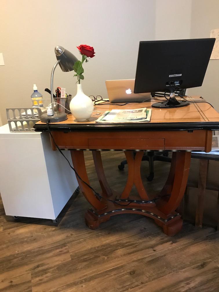 Manning desk