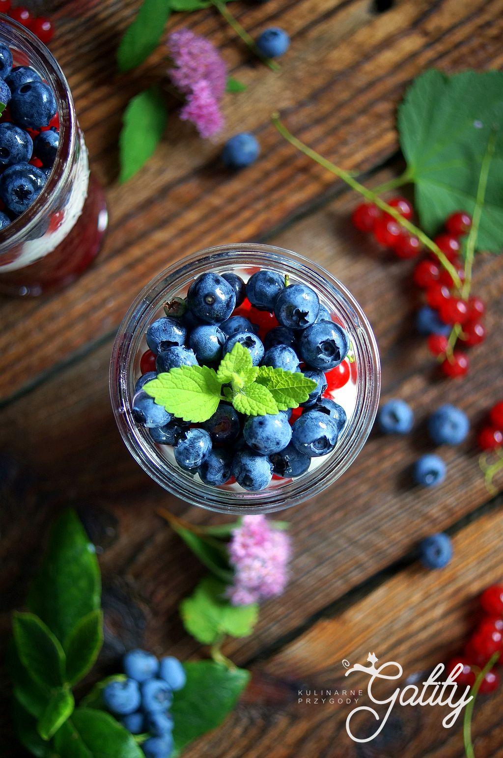kolorowe-owoce-w-szklance