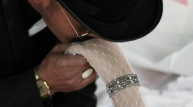 Agen-Gaple-Pria-Thailand-Yang-Menikahi-Jasad-Kekasihnya