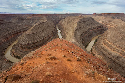 The San Juan River meanders through Goosenecks State Park, Utah.