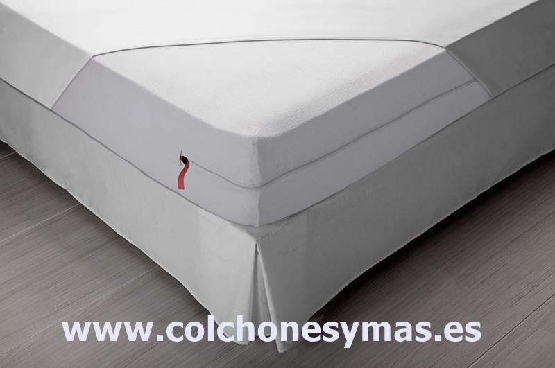 Las fundas son lo mejor para evitar manchas en el colchón