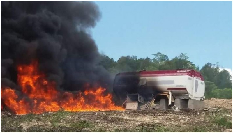Tanki minyak dibakar dalam demo tolak pabrik semen di Pidie