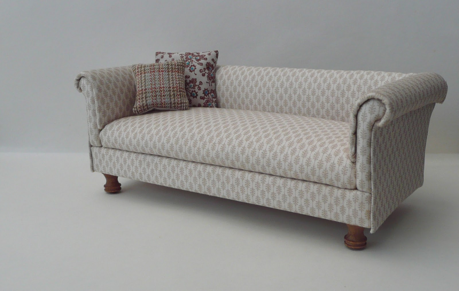 12 foot sofa get rid of amber 39s house 1 just needs feet
