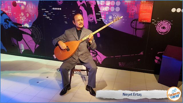 Neset-Ertas-Balmumu-Heykeli-Madame-Tussauds-istanbul