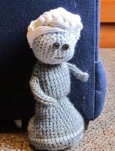 http://translate.google.es/translate?hl=es&sl=auto&tl=es&u=http%3A%2F%2Ffaithhopeloveyarn.blogspot.com.es%2F2012%2F04%2Flittle-lady-doll-pattern.html