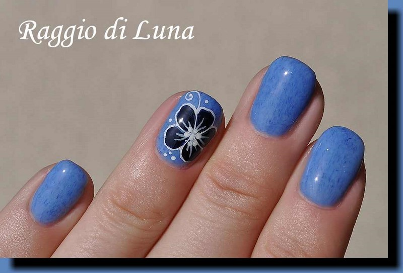 Raggio di Luna Nails: UV gel manicure with free-hand nail art - Dark ...