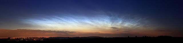 Mây dạ quang trên bầu trời Pháp. Bản quyền hình ảnh: Simon Lericque (GAAC).