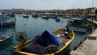 Puerto de Marsaxlokk, repleto de Luzzus.
