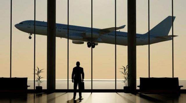 Katanya Cara Ini Bisa Membuat Anda Tidak Kena Biaya Tambahan Saat Memesan Tiket Pesawat