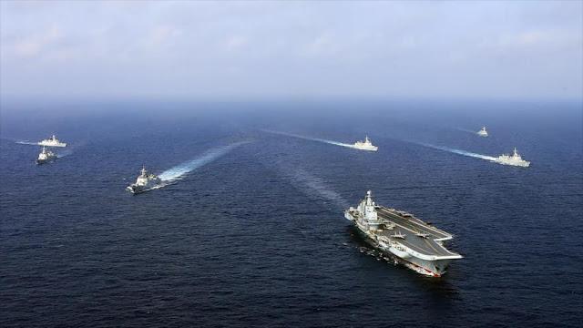 """China realiza un """"simulacro con fuego real"""" en el mar Oriental"""