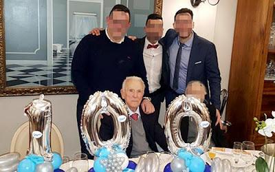Bữa tiệc sinh nhật 100 tuổi xa hoa của trùm mafia già nhất thế giới 1