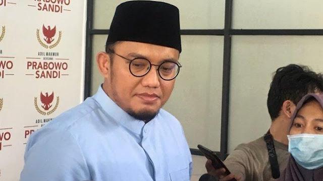 Dahnil: Prabowo Sholat Hadap Kiblat, Bukan Hadap Kamera